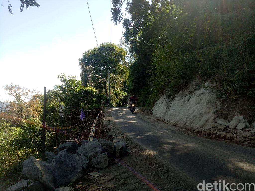 Akses tiga Desa Bontosalama, Terasa, dan Turungan Baji Kecamatan Sinjai Barat, Sulsel. (Ibnu Munsir/detikcom)