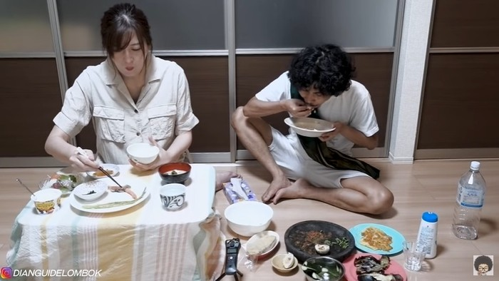 Beda Cara Makan Orang Indonesia dan Jepang