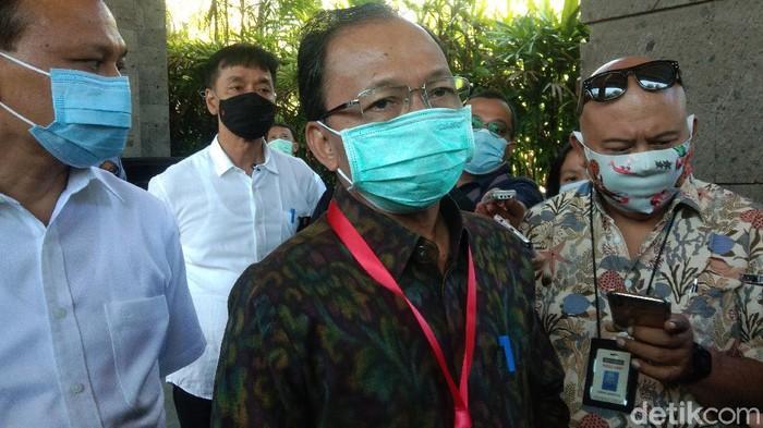 Gubernur Bali I Wayan Koster merencanakan akan mendatangkan turis asing ke Bali tanggal 11 September mendatang.