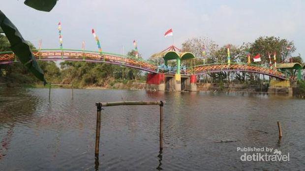 Jembatan Pelangi Kudus