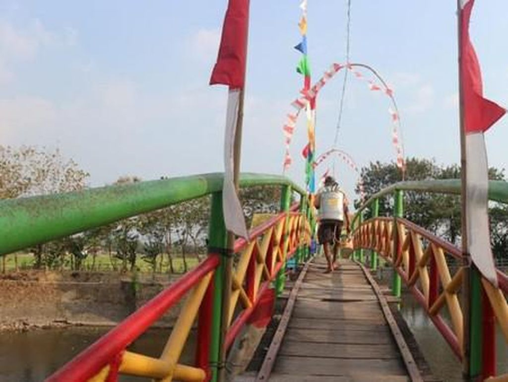 Akhir Pekan di Klaten, Ada Jembatan Pelangi!