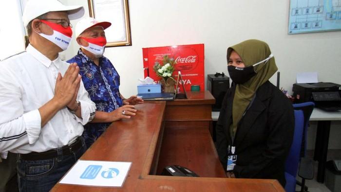 Federasi Serikat Pekerja Rokok Tembakau Makanan Minuman (FSP RTMM) meresmikan kantor aru di Jakarta. Kantor difungsikan sebagai wadah pertemuan rutin anggota.