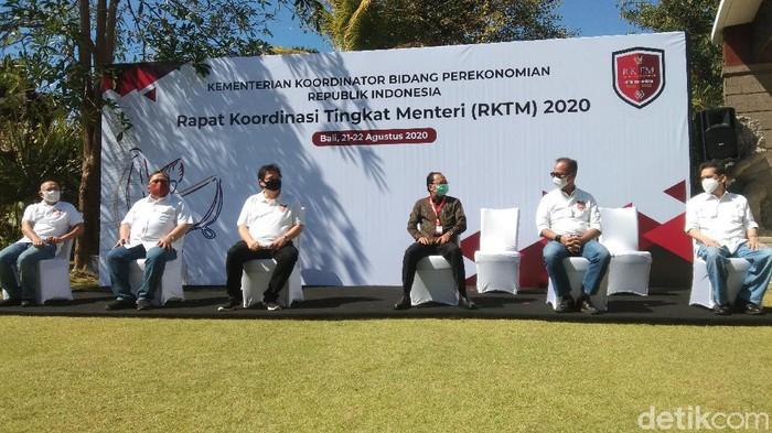 Menteri-menteri rapat di Bali soal pemulihan ekonomi/Angga Riza (dertikcom)