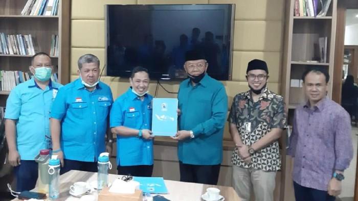 Partai Gelora serahkan SK dukungan ke Benyamin Davnie untuk Pilkada Tangsel
