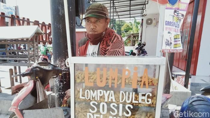 Pedagang lumpia difabel asal Klaten tetap semangat cari rejeki di masa pandemi COVID-19