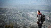 Objek wisata alam paling diminati di Lembang itu menyuguhkan city view dan city light yang cocok untuk berswafoto.