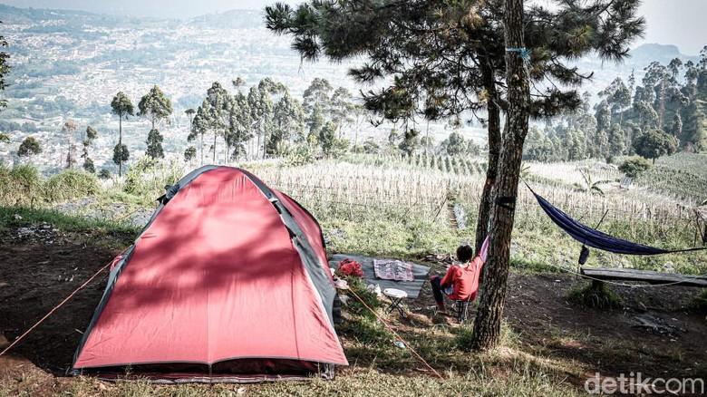 Wisata alam di Geger Bintang Matahari bisa jadi alternatif liburan di kawasan Lembang, Kabupaten Bandung Barat.
