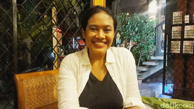 Siti Fauziah (31) alias Ozie pemeran Bu Tejo di Film Tilik