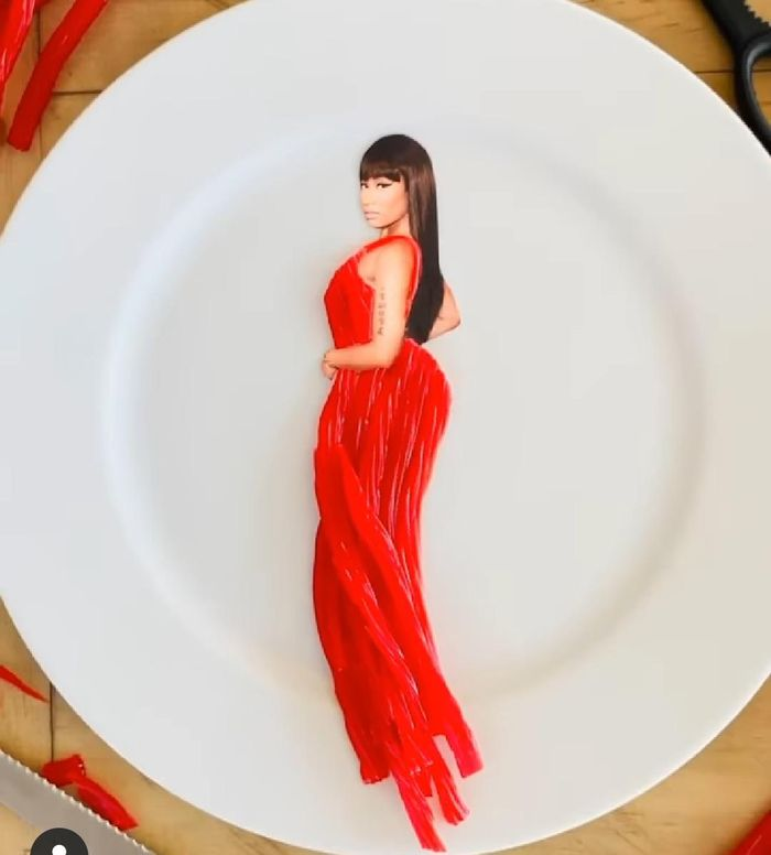 gaun dari makanan