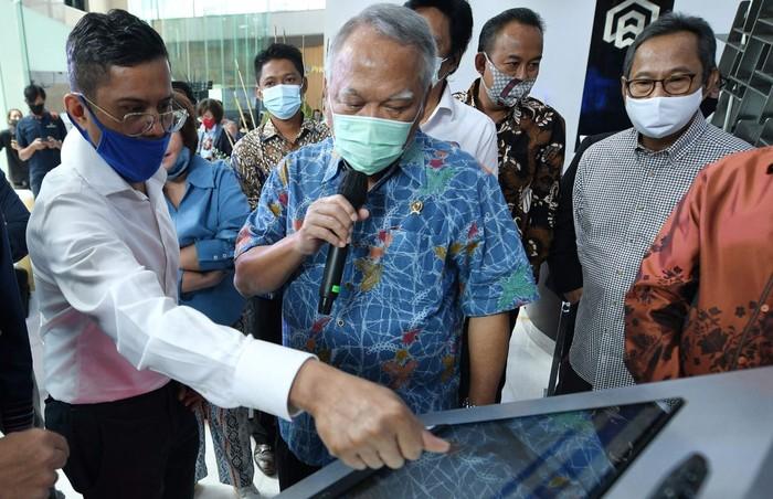 Indonesia Property Expo untuk pertama kalinya digelar secara virtual 4D. Beginilah keseruan berburu property di tengah pandemi.