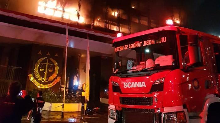 Kebakaran di kantor Kejaksaan Agung, Jakarta Selatan.