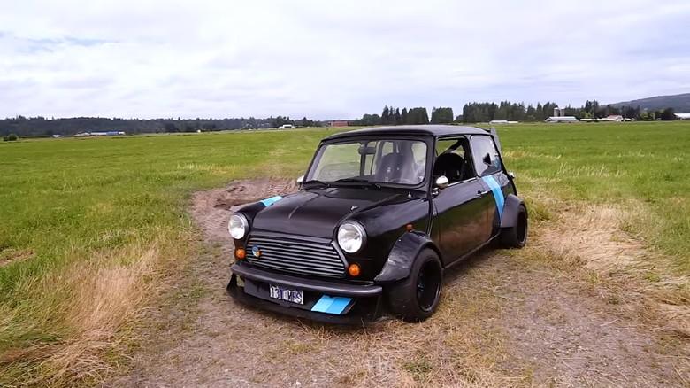 Mini ini menggunakan mesin Kawasaki Ninja.