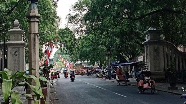 Jalan-jalan ke Kota Solo, belum lengkap bila tak mencoba serabi. Srabi solo atau serabi solo adalah sebuah makanan ringan yang berasal dari Solo, Jawa Tengah. (Foto: Gede Leo/dtraveler)