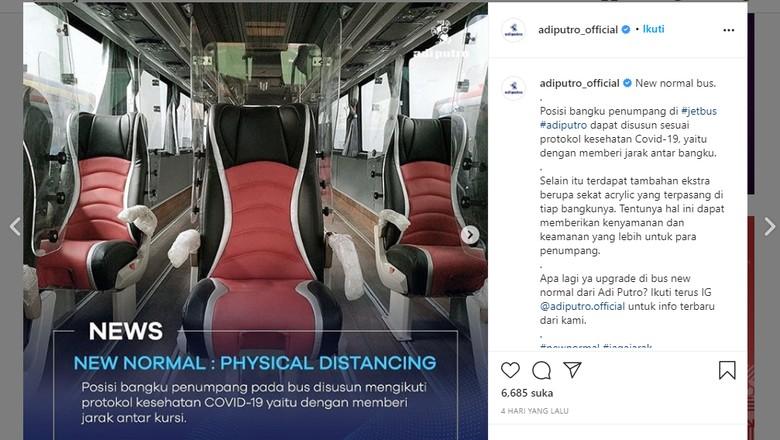 Bus yang dilengkapi pembatas berbahan acrylic