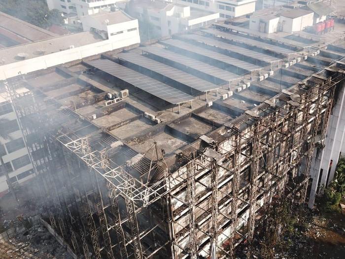 Kebakaran di Gedung Kejaksaan Agung Semakin Membesar