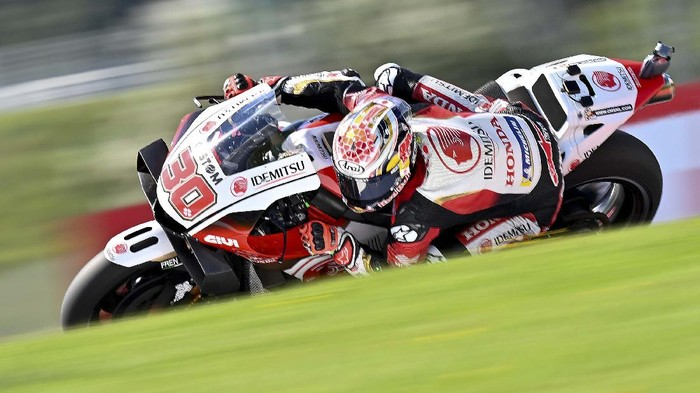 LCR Honda Idemitsu Japanese rider Takaaki Nakagami rides during the qualification during the MotoGP of the Styrian Grand Prix at Red Bull Ring circuit in Spielberg, Austria on August 22, 2020. (Photo by JOE KLAMAR / AFP)