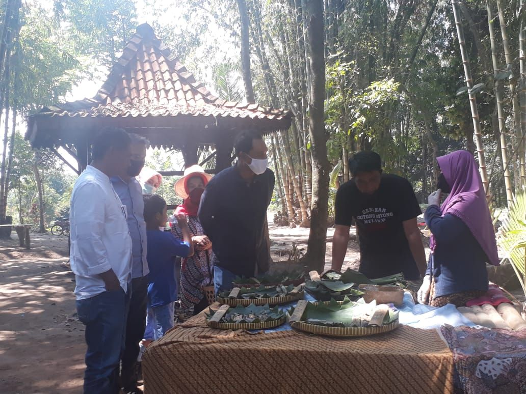Pasar Lembah Merapi
