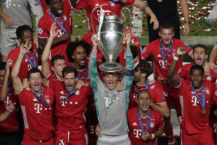 Selain Kingsley Coman, Manuel Neuer juga menjadi pahlawan Bayern Munich saat mengalahkan PSG. Kapten Die Roten itu berkali-kali membendung keganasan Neymar dan Mbappe.