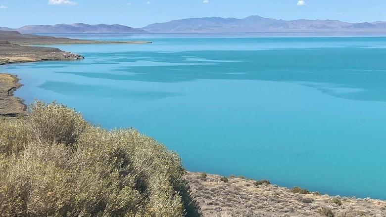 Danau Pyramid Nevada