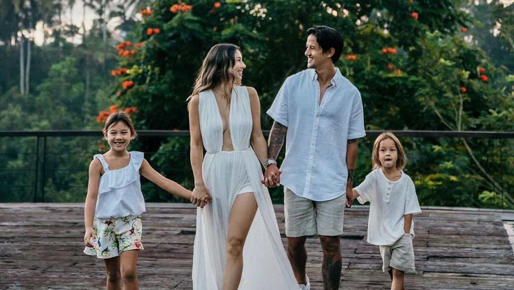 Pengakuan Jennifer Bachdim Tak Pernah Marahi Anak Bikin Emak-emak Takjub