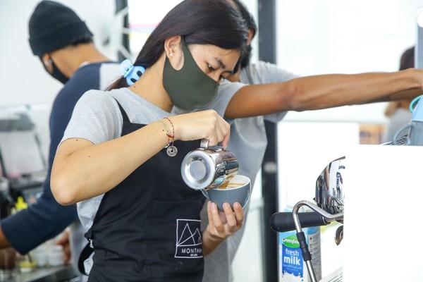 Untuk diketahui, di masa pandemi COVID-19 ini, semua destinasi wisata di Bali yang di dalamnya meliputi kafe, restoran yang didatangi tim detikcom telah menerapkan protokol kesehatan yang dianjurkan oleh pemerintah. Jadi, jangan ragu untuk mengunjunginya ya!