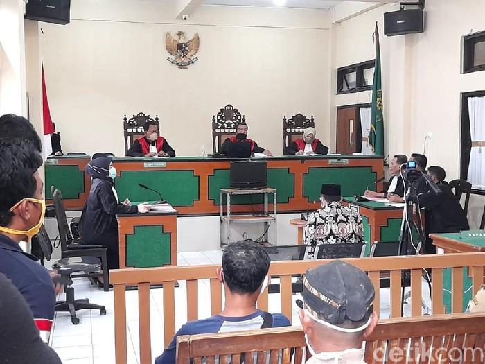 Sidang kasus Kades Luwunggede Brebes aniaya bocah, PN Brebes, Senin (24/8/2020).