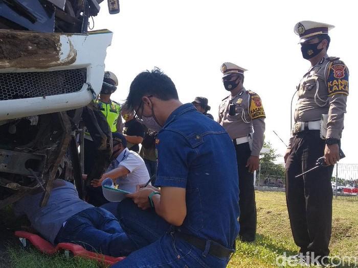 Tabrakan Beruntun Tewaskan 4 Orang di Tol Cipali