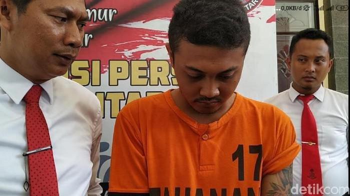 Tutut Galih Prasetyo dinyatakan terbukti melakukan ujaran kebencian. Dia divonis hukuman pidana 7 bulan penjara.