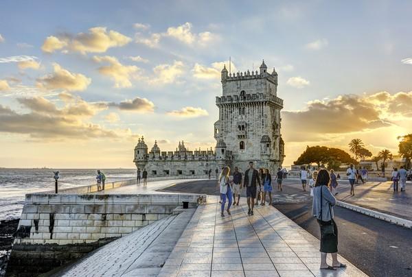 Landmark lain yang tak boleh dilewatkan adalah Menara St Vincentius atau Menara Belem (Belem Tower). Menara ini menjadi saksi penjajahan laut Portugal dan masuk dalam Situs Warisan Dunia UNESCO. (Foto: iStock)