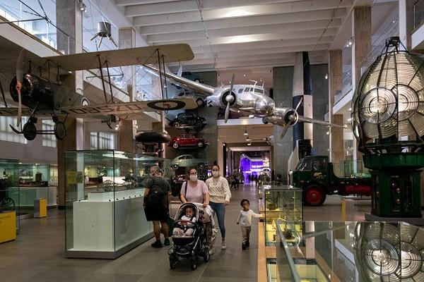 Museum Sians London kembali buka untuk umum setelah hampir lima bulan tutup akibat pandemi COVID-19.