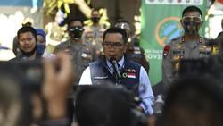 Gubernur Jawa Barat Ridwan Kamil jalani sejumlah rangkaian tes kesehatan dan swab sebelum akhirnya ikut penyuntikan uji klinis tahap III vaksin COVID-19 Sinovac