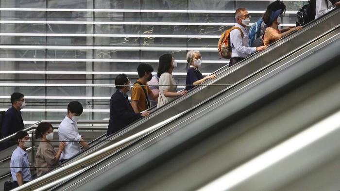 Korea Selatan kembali memperketat pembatasan sosial. Hal ini dilakukan seiring meningkatnya jumlah kasus virus Corona di negara tersebut.