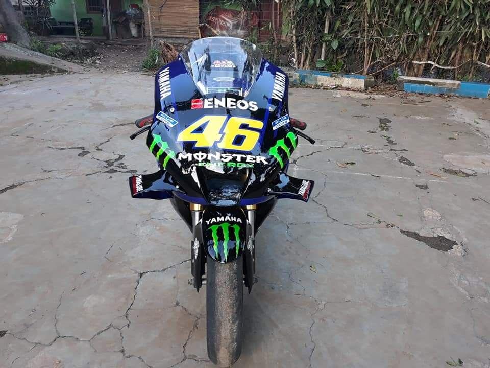Modifikasi Yamaha Vixion ala motor Valentino Rossi