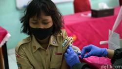Bulan Imunisasi Anak Sekolah (BIAS) juga memberikan vaksin HPV kepada siswa SD kelas 5 dan 6. Vaksin ini untuk mencegah kanker serviks atau kanker mulut rahim.