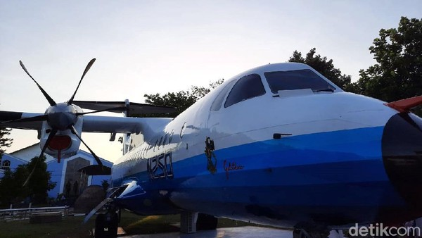 Sementara itu, pilot yang pernah menerbangkan pesawat itu, Kris Sukaryono menjelaskan jika pesawat N250 memiliki jam terbang 600 jam lebih. Dia pun merasa teknologi pesawat ini sangat luar biasa.