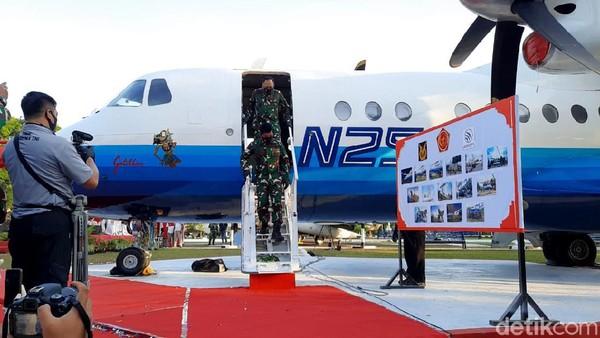 Berdasarkan keterangan pers Dinas Penerangan TNI AU, Gatotkaca pertama kali terbang pada 1995 bertepatan HUT RI ke-50. Pesawat yang dibuat oleh Industri Pesawat Terbang Nusantara (IPTN)--kini bernama PT Dirgantara Indonesia (PTDI)--itu sempat tampil dan menjadi idola di beberapa International Air Show, salah satunya di Le-Bourge, Paris Air Show 1997.