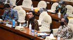 Sri Mulyani Bahas Laporan Keuangan di DPR