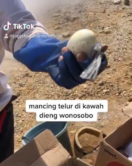 Mancing Telur di Kawah Dieng Wonosobo
