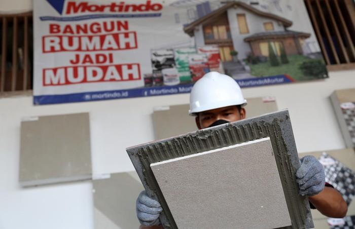 Semen instan atau yang dikenal dengan semen mortar, semakin dibutuhkan masyarakat Indonesia. Semen instan saat ini sudah menjadi bahan bangunan primer di banyak aplikasi bangunan dan infrastruktur yang memiliki keunggulan lebih praktis, berkualitas, dan efisien dan mudah di aplikasikan.
