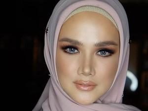 Saat Mulan Jameela Didandani Makeup Artist Langganan Maia, Bikin Pangling