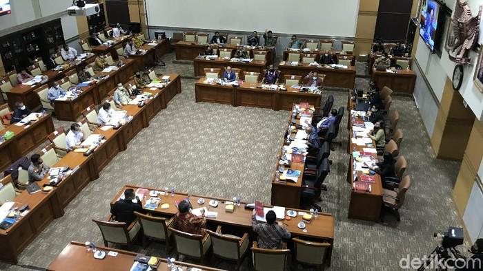 Rapat Komisi III DPR dengan para mitra kerja membahas anggaran yang kemudian ditunda (Rolando Fransiscus Sihombing/detikcom)