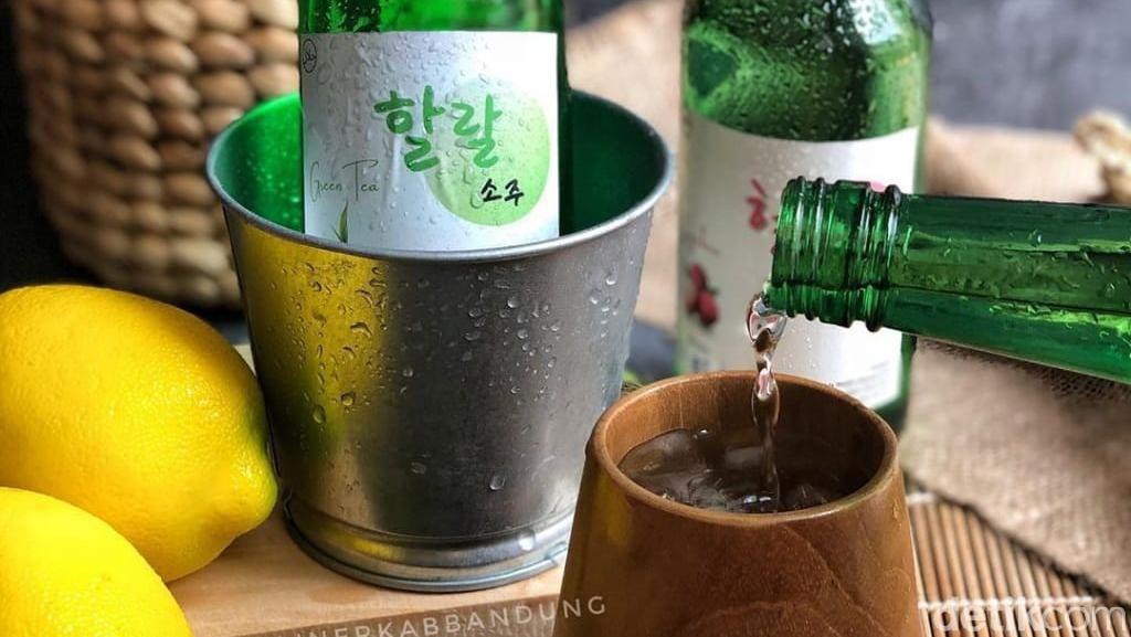 Kadar Alkohol Soju dan Tradisi Minum di Korea