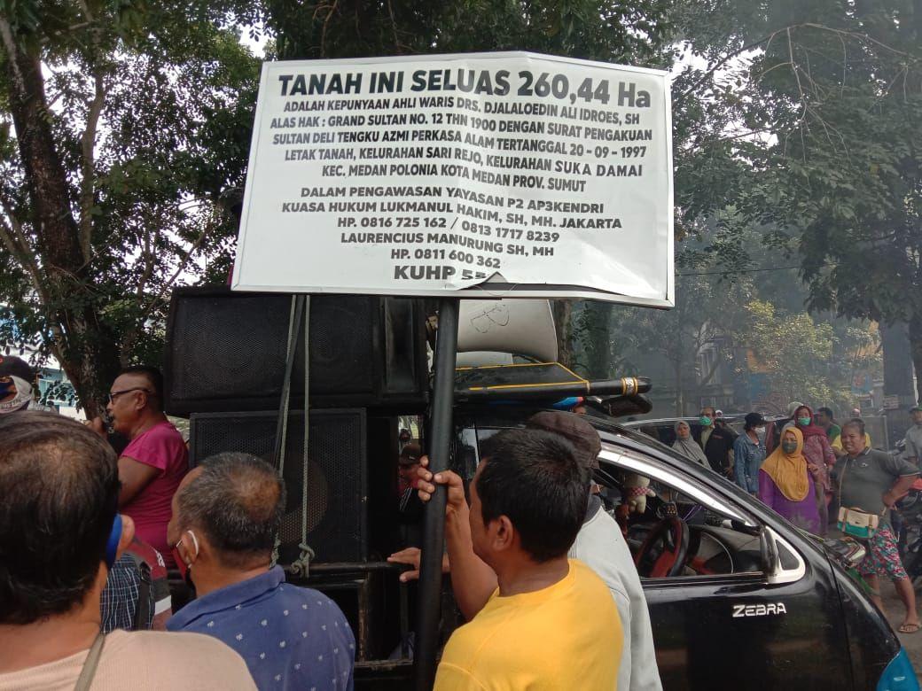 Warga di Medan protes soal klaim tanah Grand Sultan (Ahmad Arfah-detikcom)