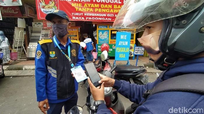 Bayar parkir di Cirebon kini bisa non tunai
