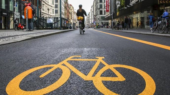 Berlin kini bersiap mengurangi jumlah kendaraan di kawasan Friedrichstrasse yang merupakan pusat kota paling padat.
