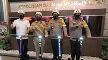 Grab Beri 30 GrabWheels buat Operasional Polda Metro Jaya Saat AKB