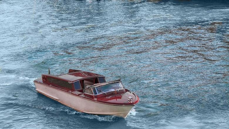 kapal uap di Venesia