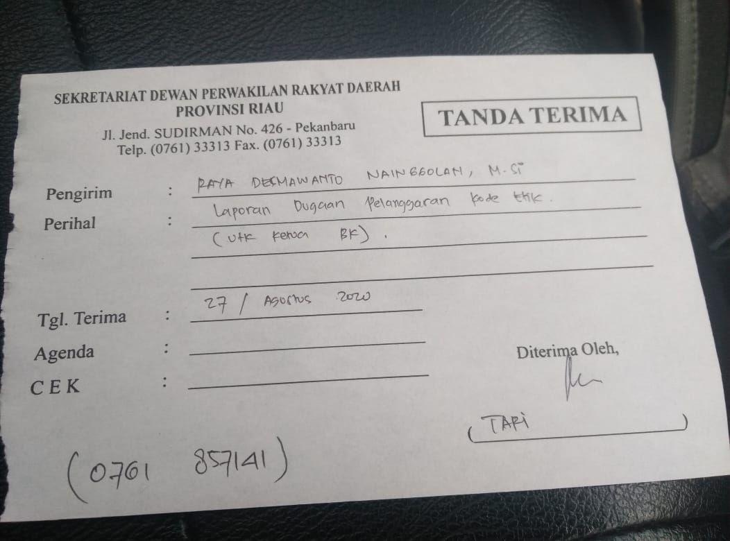 Ketua DPRD Riau Indra Gunawan atau Eet dilaporkan ke Badan Kehormatan (BK) DPRD Riau terkait viral dirinya naik helikopter BNPB untuk hadir ke acara Golkar.