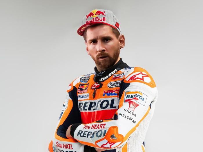 Lionel Messi berseragam Repsol Honda