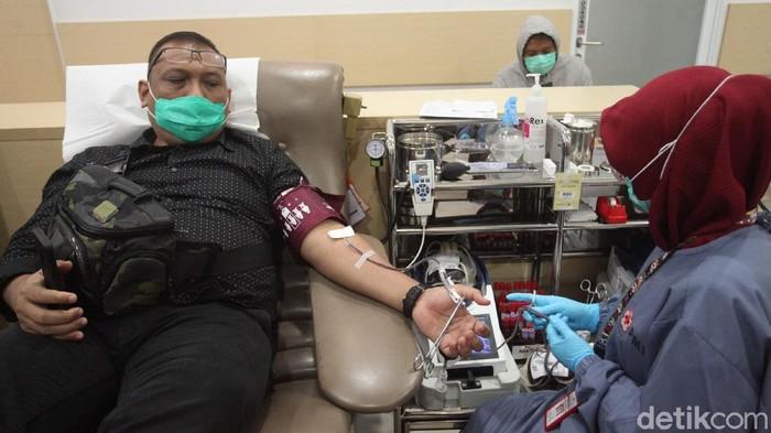 Sejak pandemi COVID-19 jumlah pendonor menurun padahal setiap harinya. DKI Jakarta memerlukan sekitar seribu kantong darah.